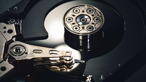 حافظهی HDD که سرعت نسبتا خوبی دارد