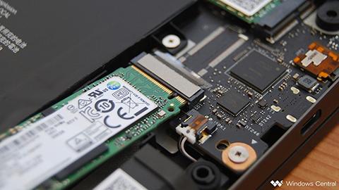 حافظهی SSD که سرعت بالای دارد و در تنظیم و آهنگسازی خیلی موثر است