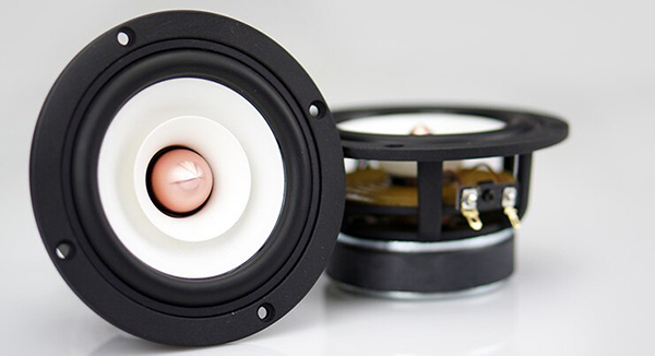 درایورهای اسپیکر مانیتورینگ که سیگنال آنالوگ را به صدای آکوستیک تبدیل میکند