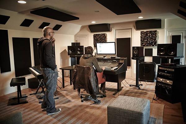 استودیو خانگی مجهز به آکوستیک تریتمنت