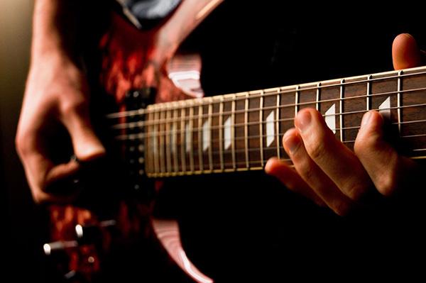 ساز ترکیبی گیتار الکتریک